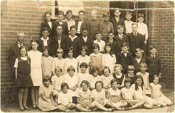 North Newtown Primary School, 5th Grade. 1923